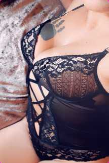Laura Escort